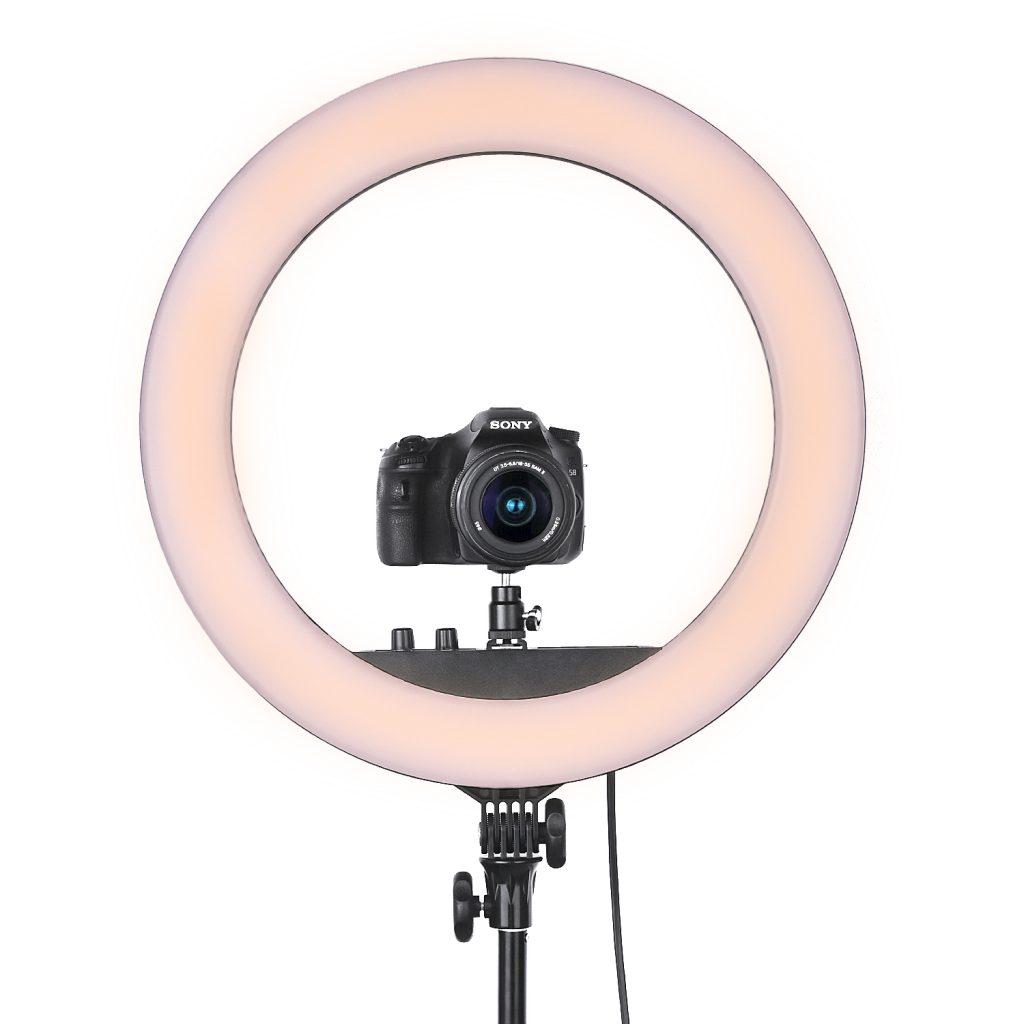 товар удовлетворяет кольцевая лампа для фотосъемки хватало